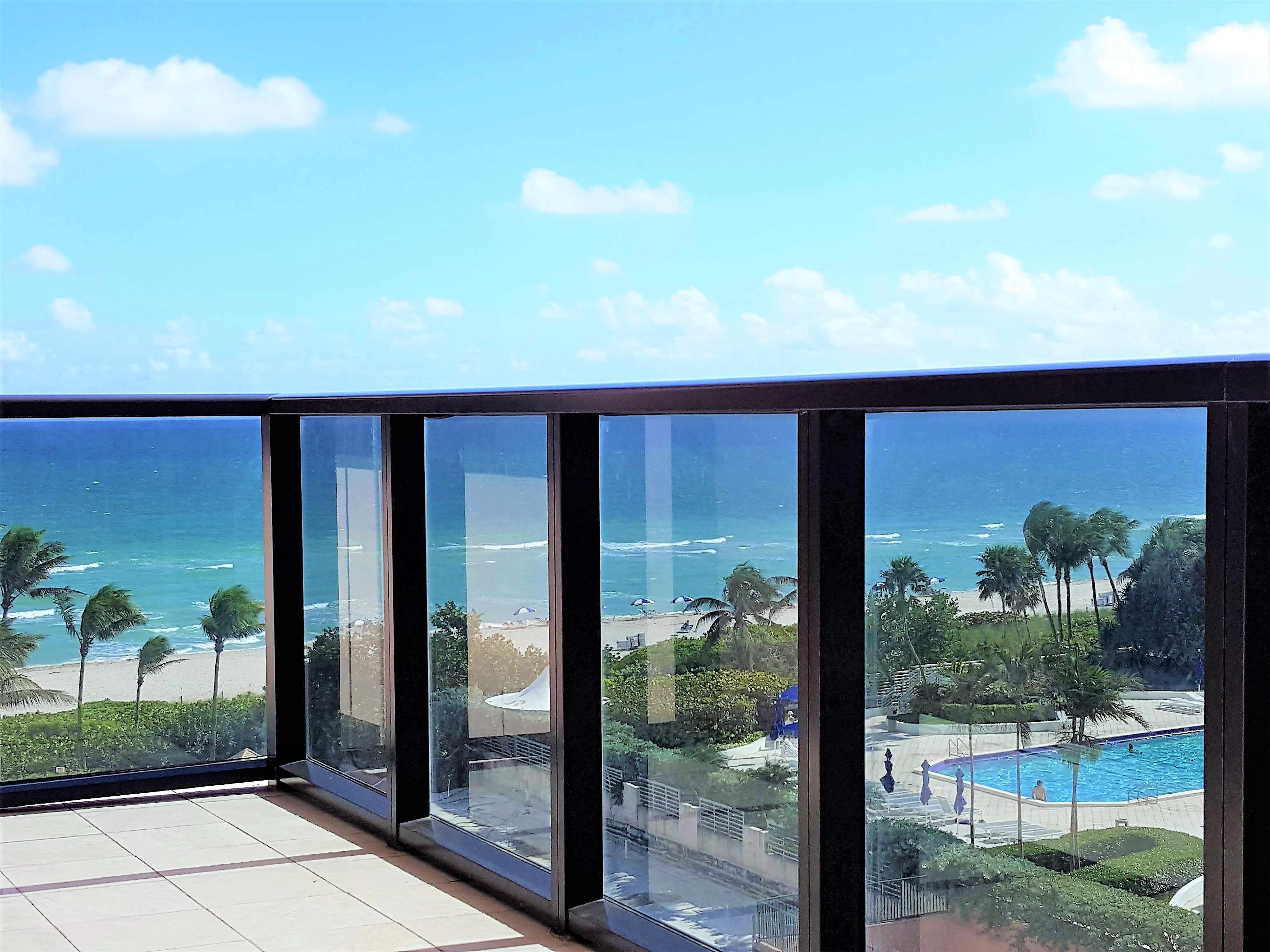Oceanviews from balcony of this Airnbnb Miami Beach resort